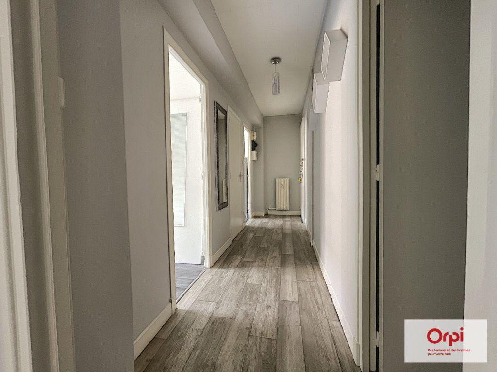 Appartement à louer 2 49m2 à Montluçon vignette-8