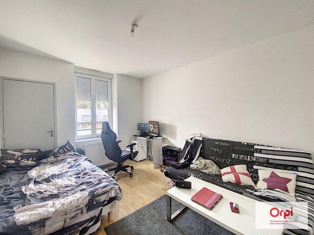 Appartement à louer 1 33m2 à Montluçon vignette-2