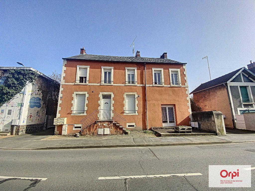 Appartement à louer 1 33m2 à Montluçon vignette-4