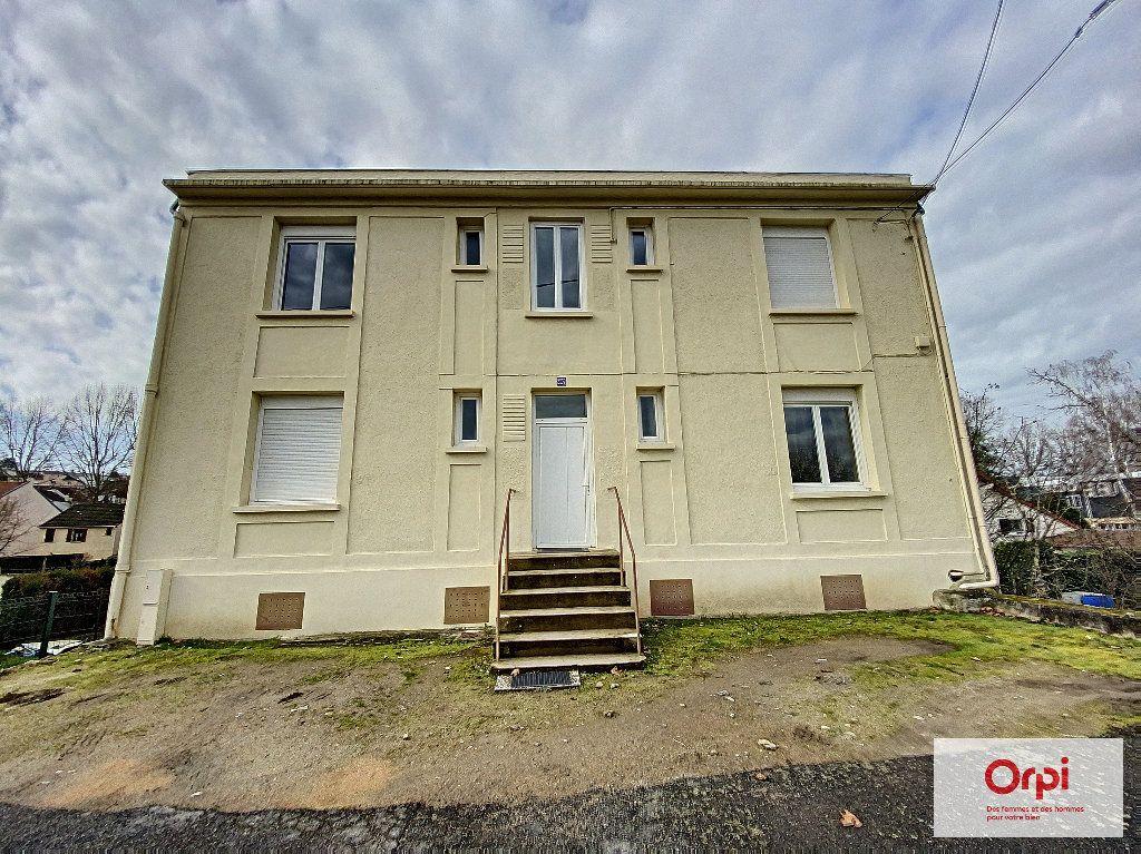 Appartement à louer 1 25m2 à Montluçon vignette-4