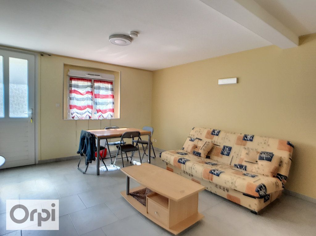 Appartement à louer 1 31m2 à Montluçon vignette-4