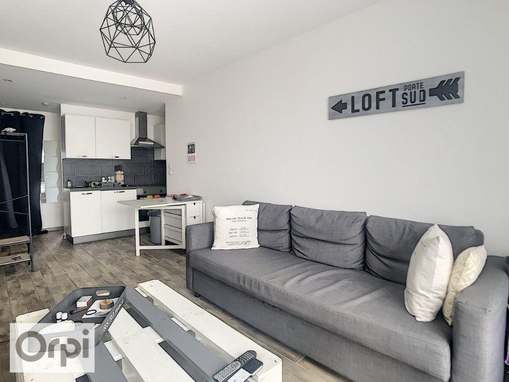 Appartement à louer 2 41.35m2 à Montluçon vignette-2