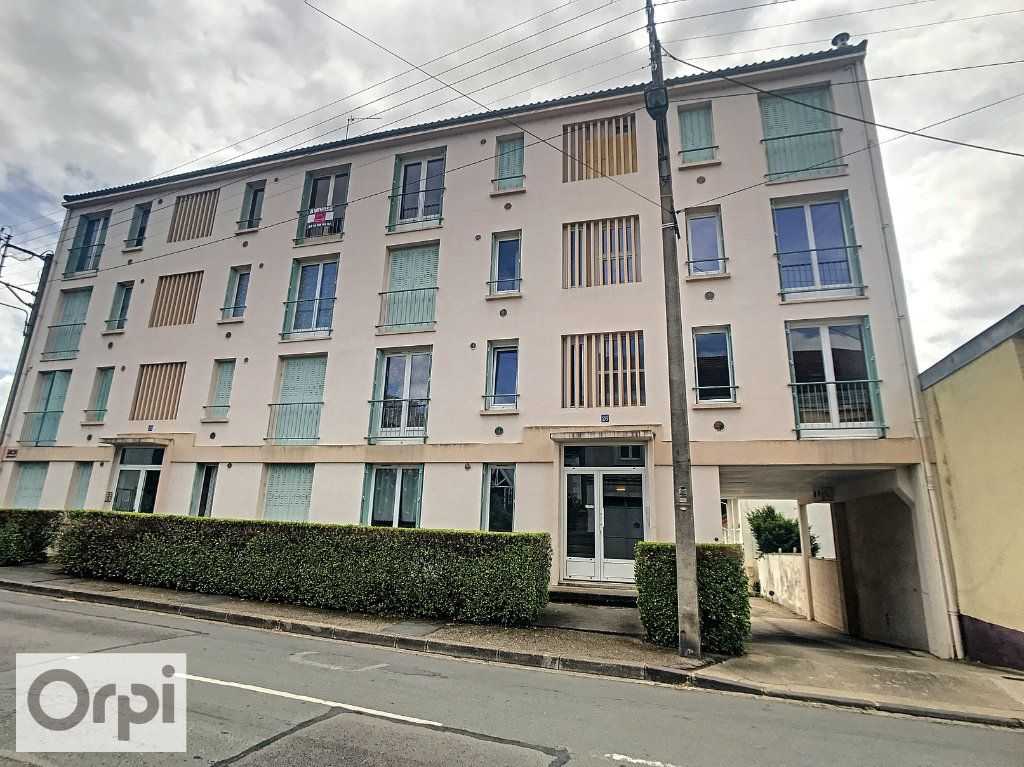 Appartement à louer 2 41.35m2 à Montluçon vignette-8