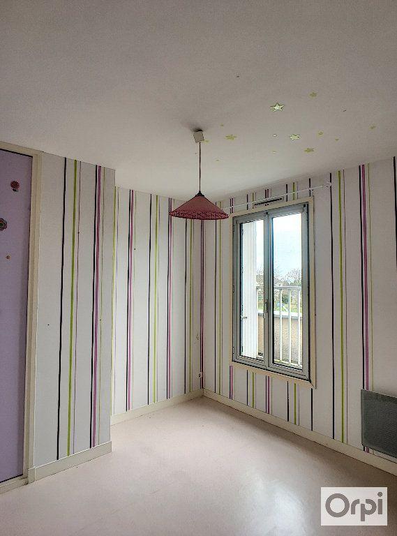 Appartement à louer 5 97m2 à Néris-les-Bains vignette-4