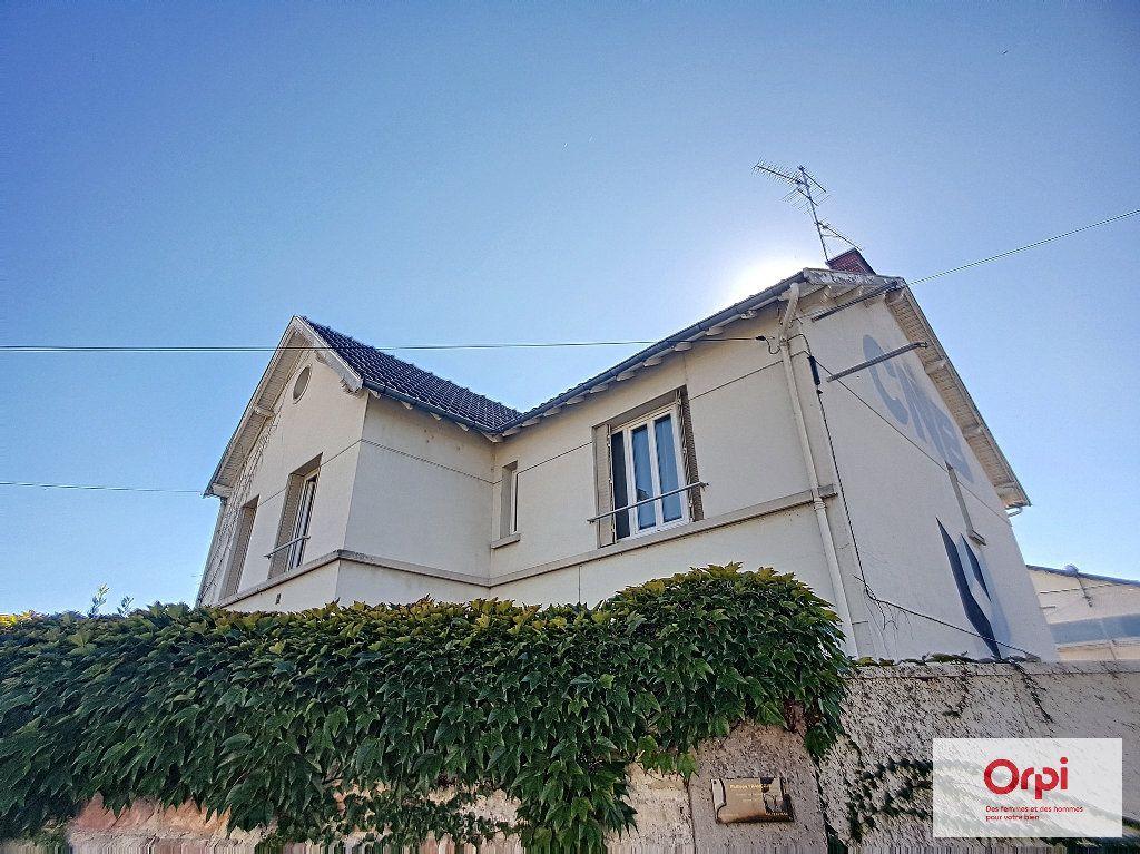 Appartement à louer 4 87.36m2 à Montluçon vignette-1