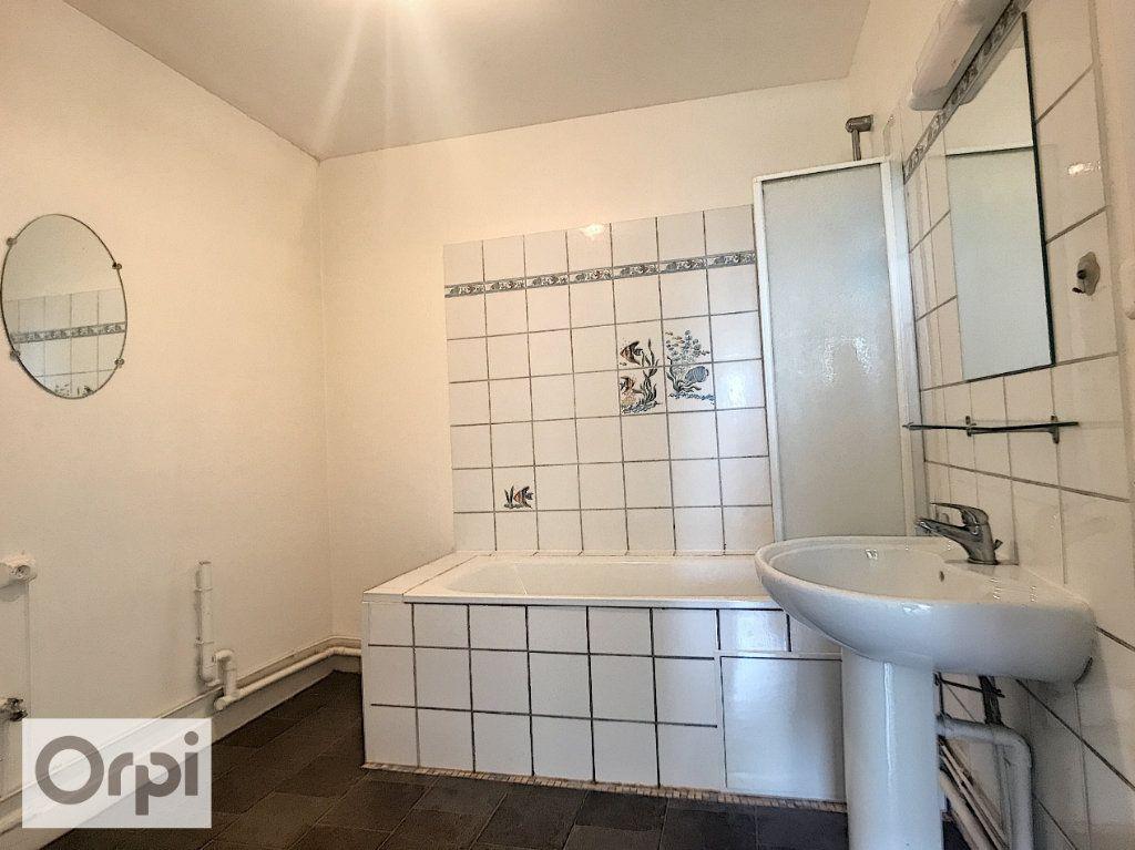 Appartement à louer 3 62.6m2 à Montluçon vignette-8