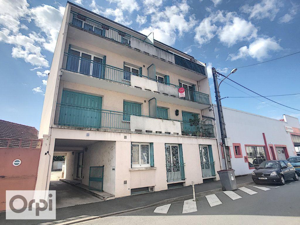 Appartement à louer 3 62.6m2 à Montluçon vignette-10