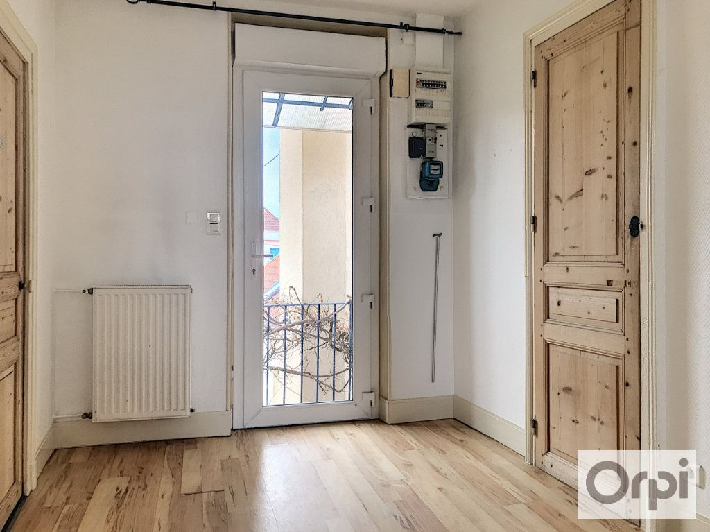 Appartement à louer 3 55.38m2 à Montluçon vignette-6