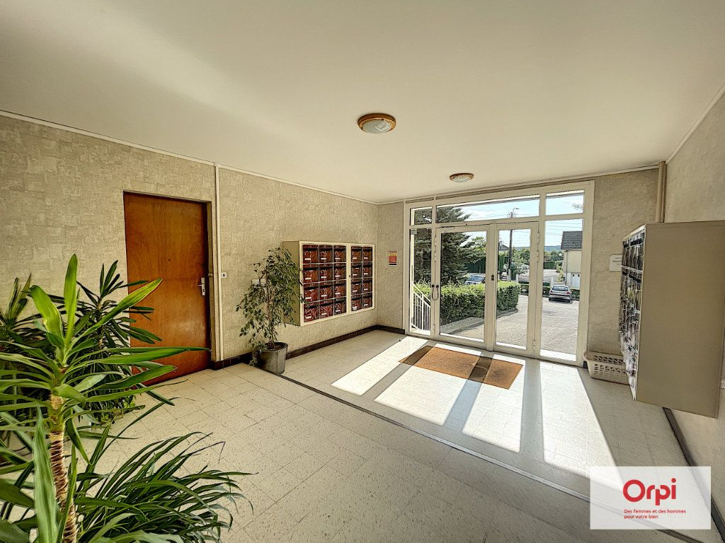 Appartement à louer 4 73m2 à Montluçon vignette-10