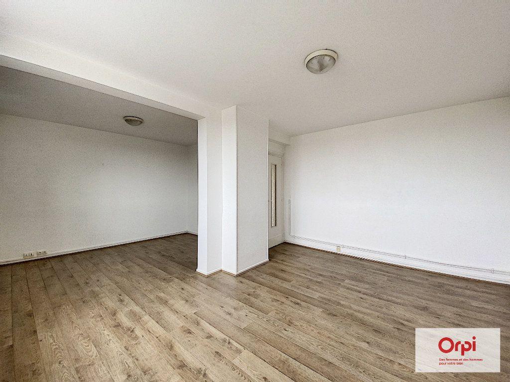 Appartement à louer 2 55.46m2 à Montluçon vignette-4