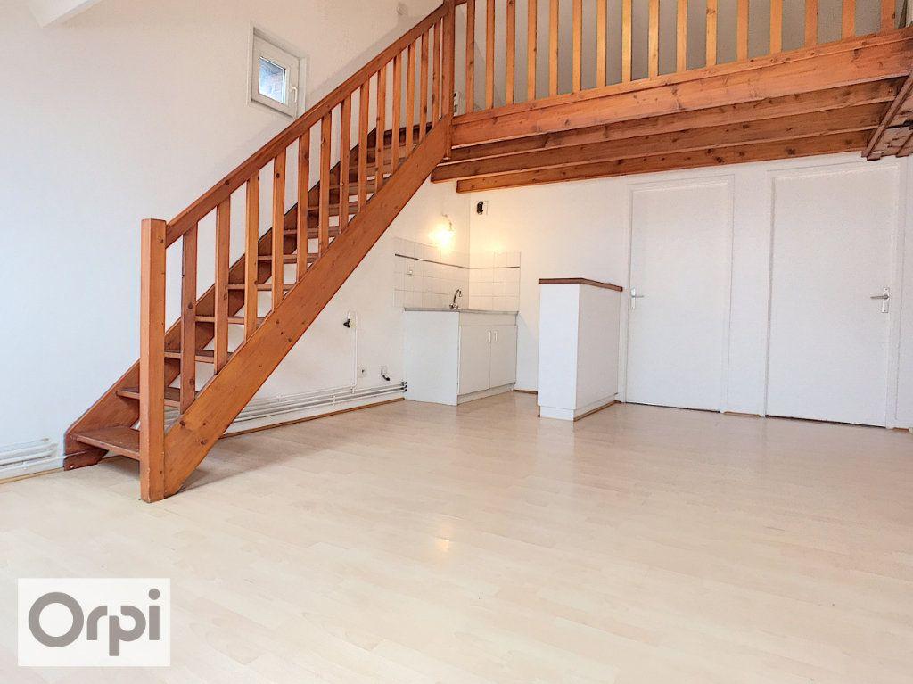 Appartement à louer 3 49.95m2 à Montluçon vignette-4