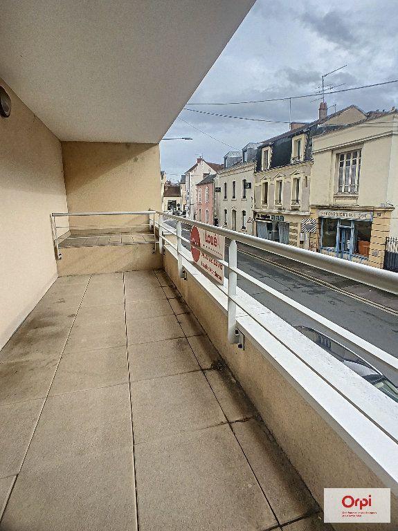 Appartement à louer 2 56.15m2 à Montluçon vignette-5