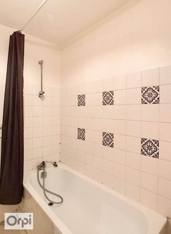 Appartement à louer 2 37m2 à Montluçon vignette-6