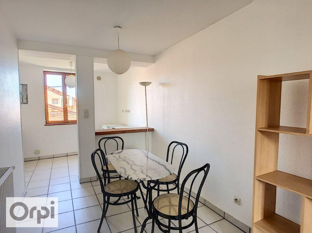 Appartement à louer 1 35.46m2 à Néris-les-Bains vignette-4