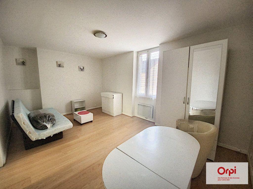 Appartement à louer 1 25.37m2 à Montluçon vignette-1