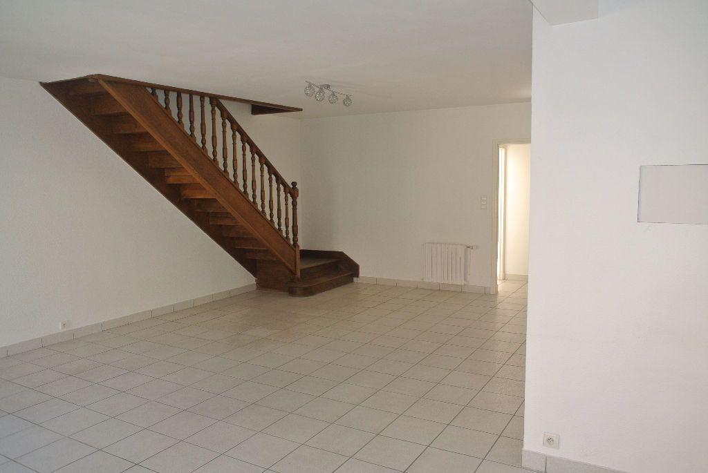 Appartement à louer 3 95m2 à Montluçon vignette-5