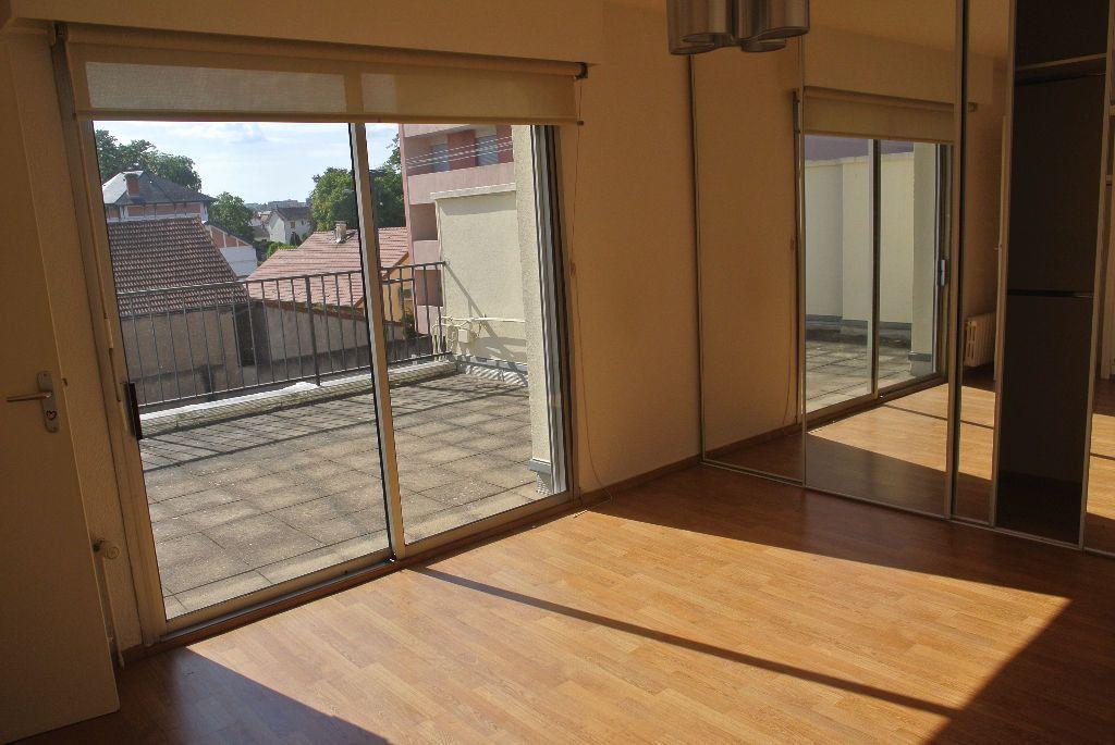 Appartement à louer 3 95m2 à Montluçon vignette-6