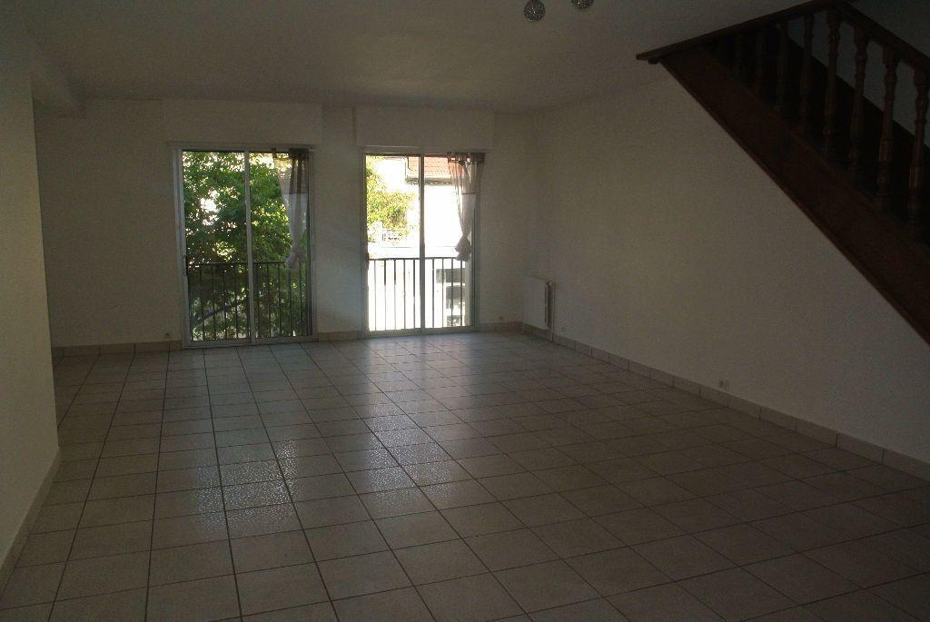 Appartement à louer 3 95m2 à Montluçon vignette-8