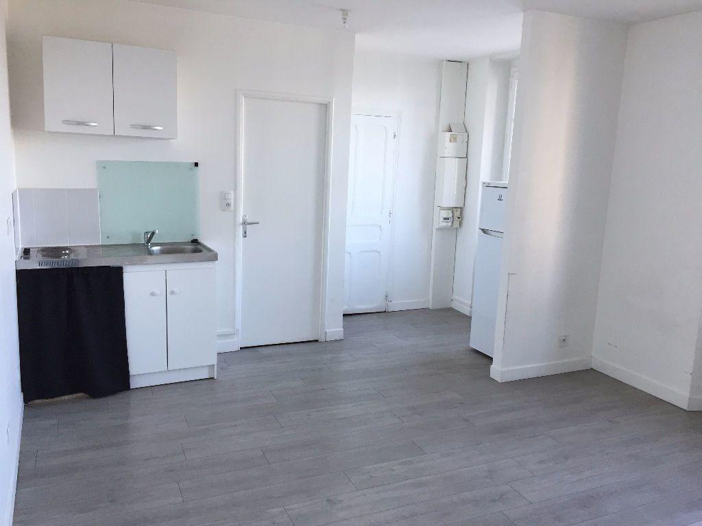Appartement à louer 2 38.63m2 à Gouzon vignette-1