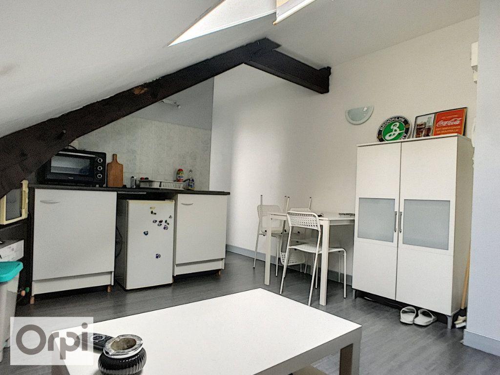 Appartement à louer 2 32m2 à Montluçon vignette-1