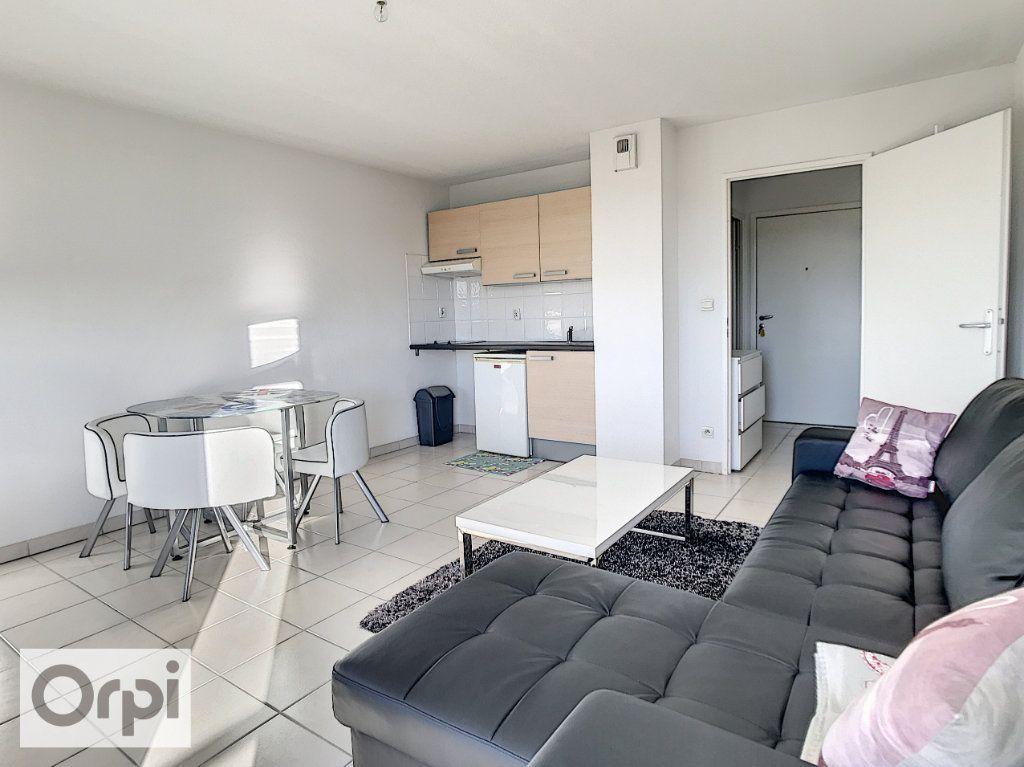Appartement à louer 1 28.79m2 à Montluçon vignette-3