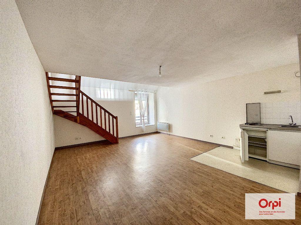Appartement à louer 2 53.4m2 à Montluçon vignette-1