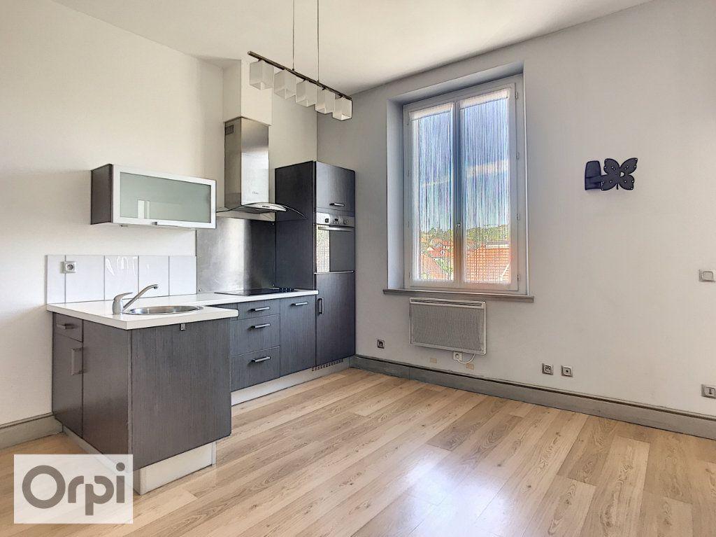 Appartement à louer 1 36m2 à Montluçon vignette-2