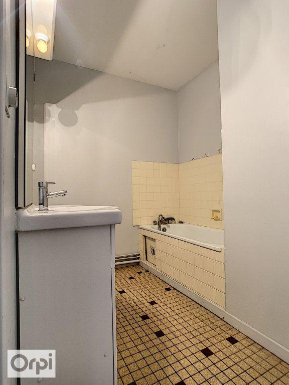 Appartement à louer 3 64.33m2 à Montluçon vignette-11