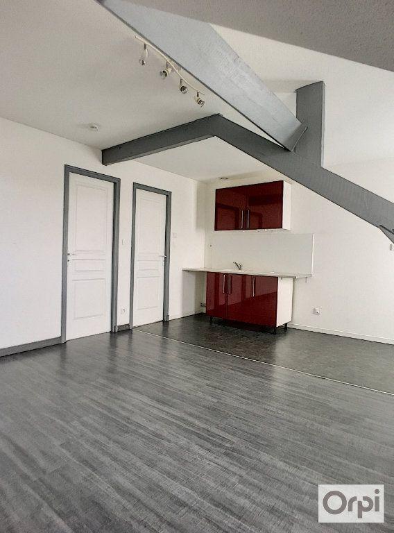 Appartement à louer 2 32.38m2 à Montluçon vignette-1