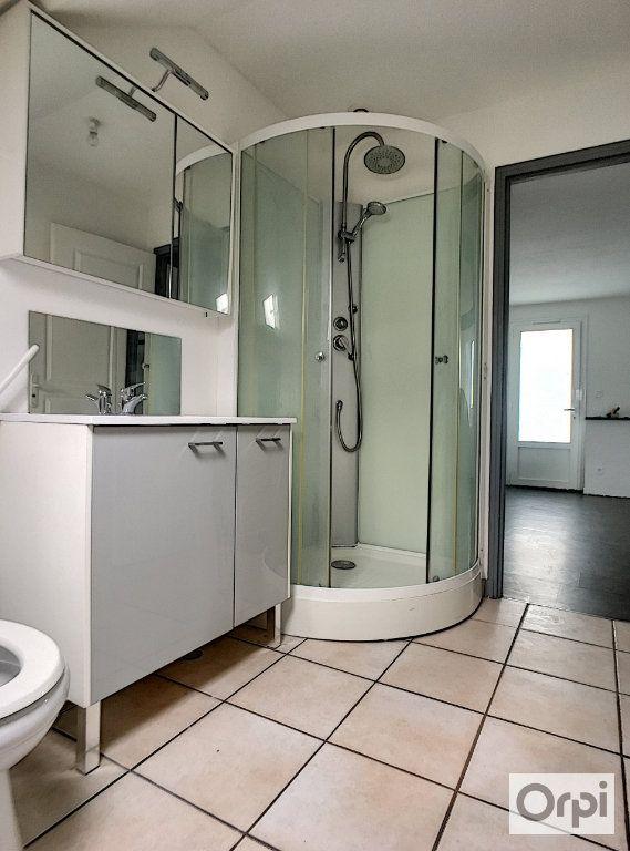 Appartement à louer 2 32.38m2 à Montluçon vignette-4