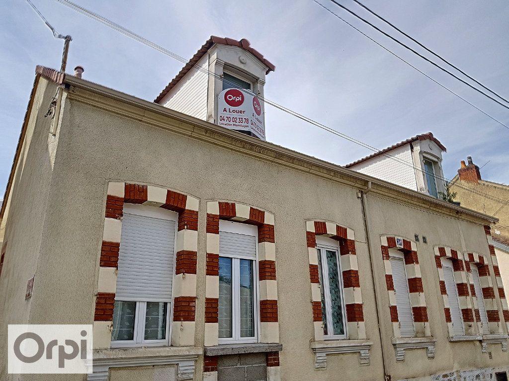 Appartement à louer 2 31.17m2 à Montluçon vignette-5