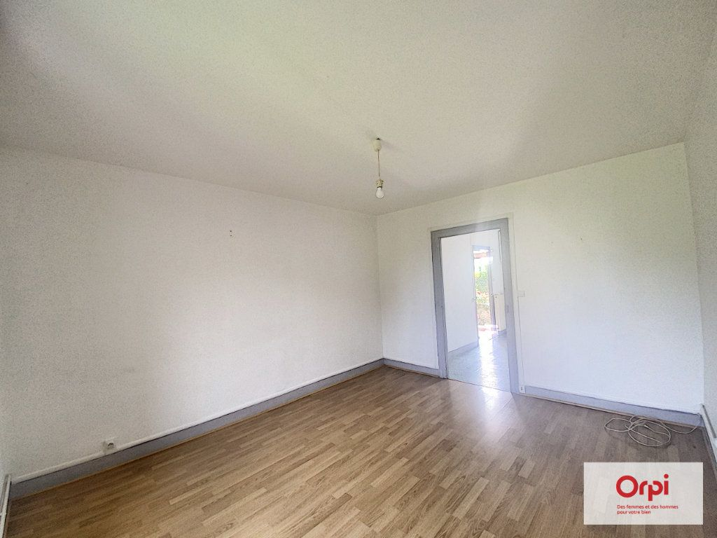 Appartement à louer 3 57.8m2 à Montluçon vignette-4