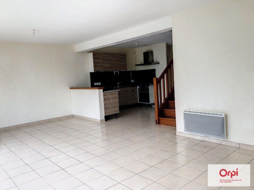 Maison à louer 4 105.75m2 à Néris-les-Bains vignette-2