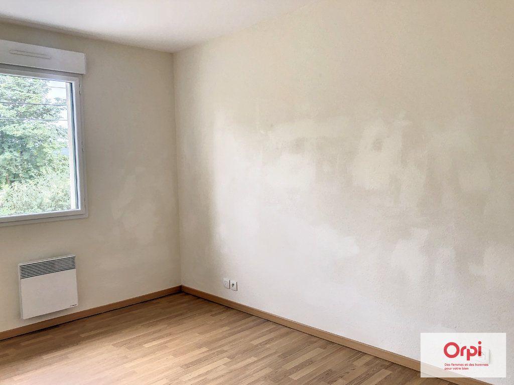 Maison à louer 4 105.75m2 à Néris-les-Bains vignette-5