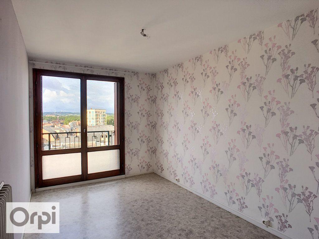 Appartement à louer 2 61.21m2 à Montluçon vignette-4