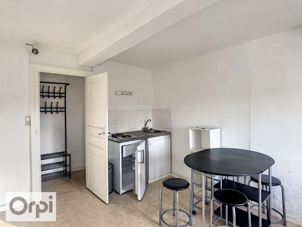 Appartement à louer 1 19.86m2 à Montluçon vignette-2