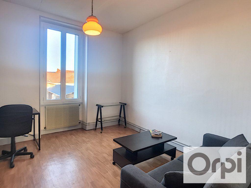 Appartement à louer 1 28.82m2 à Montluçon vignette-3