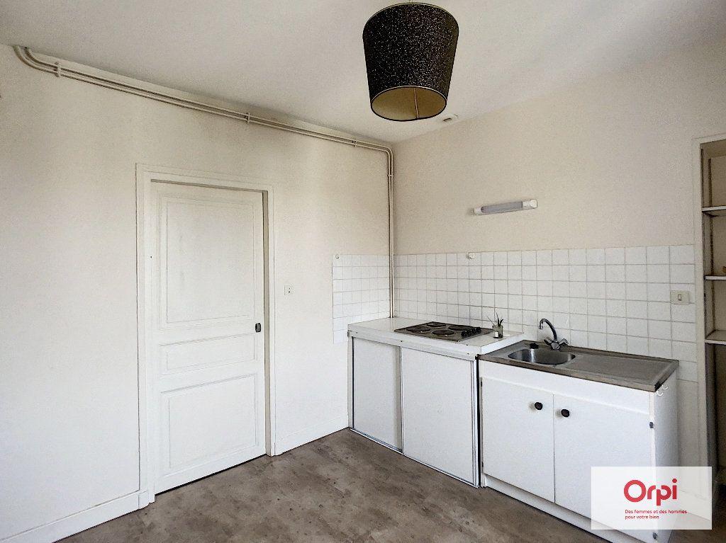 Appartement à louer 1 31.4m2 à Montluçon vignette-4