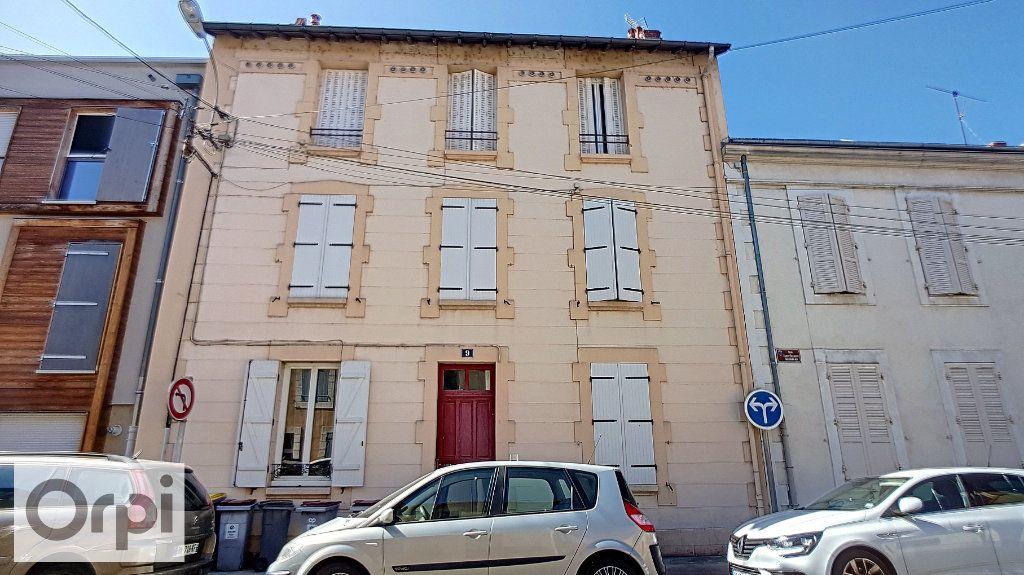 Appartement à louer 2 38.5m2 à Montluçon vignette-6