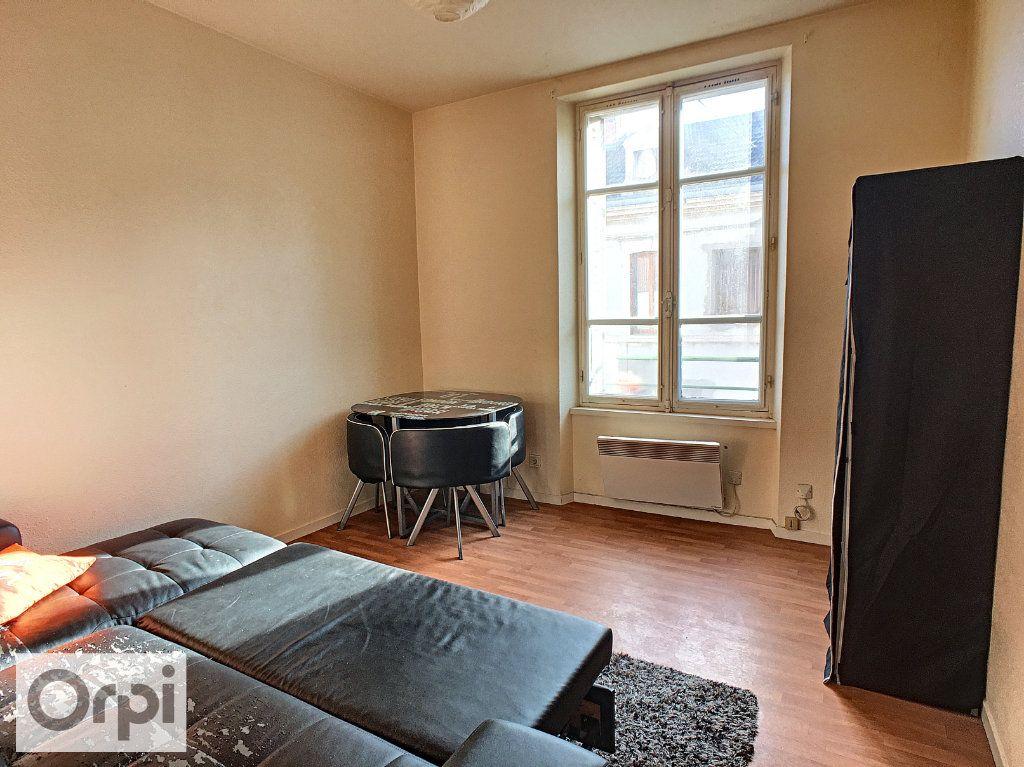 Appartement à louer 1 21.25m2 à Montluçon vignette-2