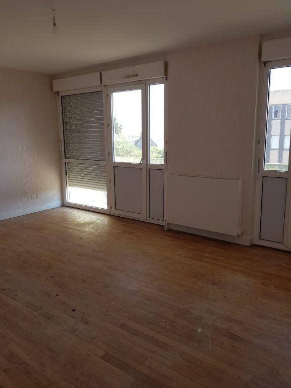 Appartement à louer 4 68m2 à Montmarault vignette-2