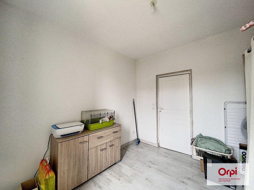 Appartement à louer 3 48.73m2 à Néris-les-Bains vignette-3
