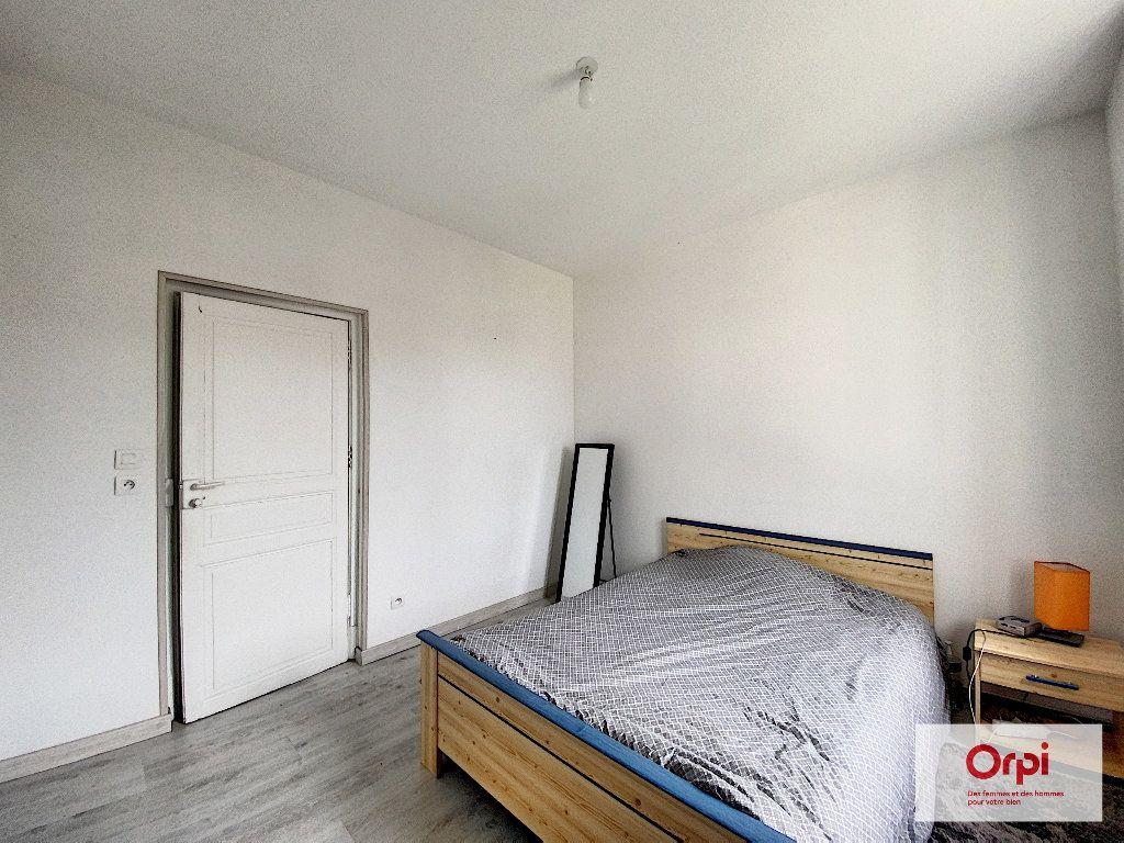 Appartement à louer 3 48.73m2 à Néris-les-Bains vignette-4