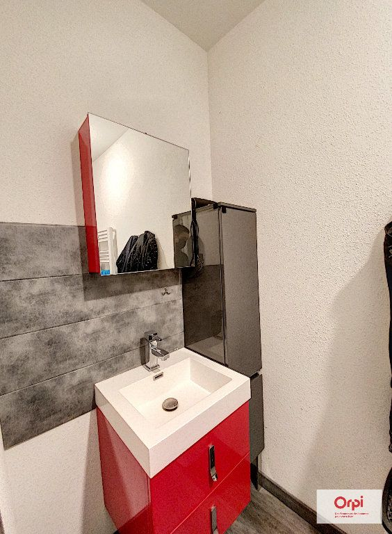 Appartement à louer 3 48.73m2 à Néris-les-Bains vignette-6