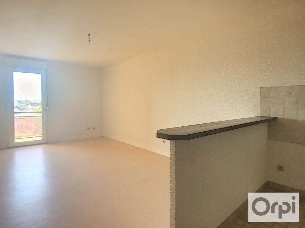 Appartement à louer 2 39.7m2 à Montluçon vignette-3