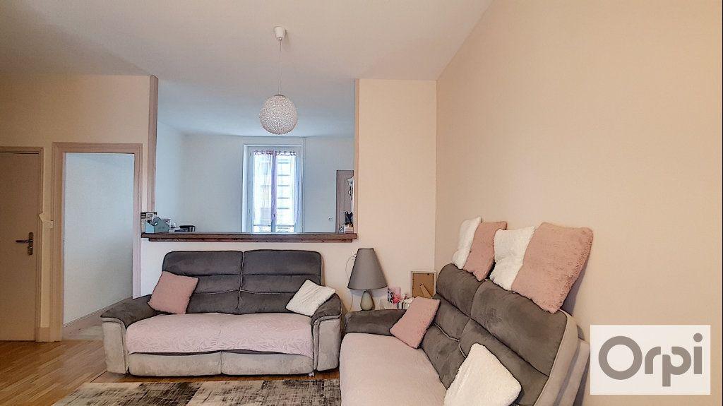 Appartement à louer 4 80m2 à Montluçon vignette-1