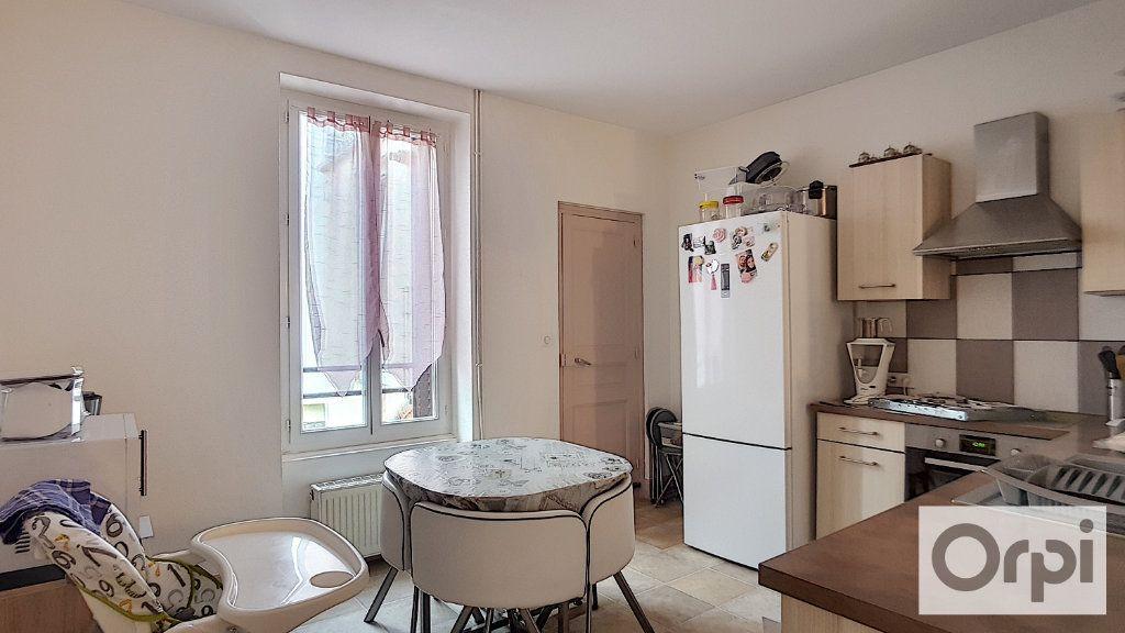 Appartement à louer 4 80m2 à Montluçon vignette-3