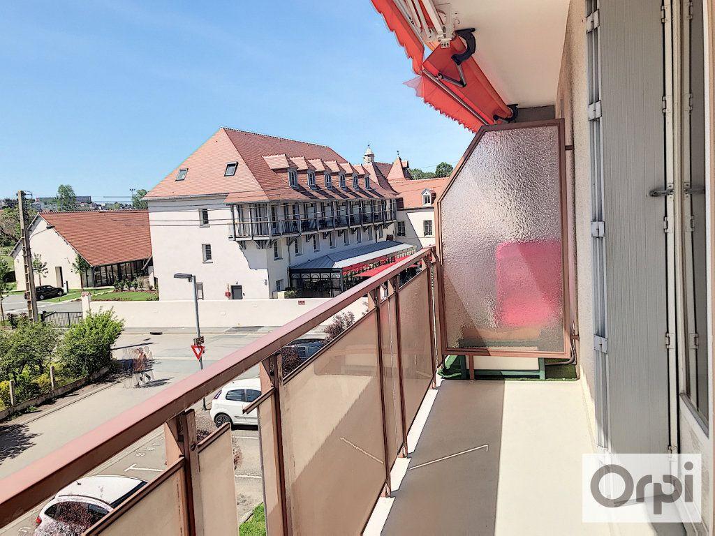 Appartement à louer 3 64m2 à Montluçon vignette-5