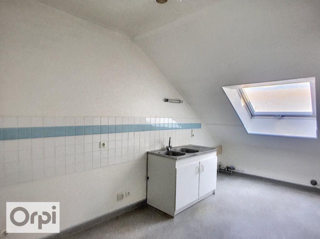 Appartement à louer 3 69.93m2 à Montluçon vignette-6