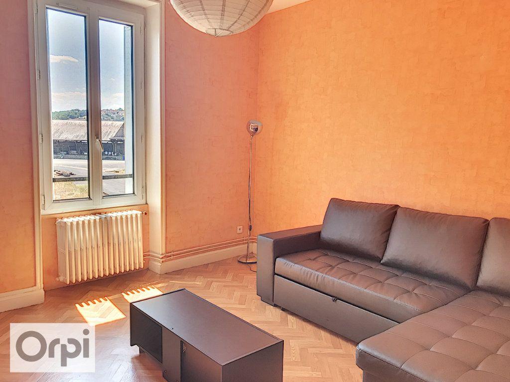 Appartement à louer 2 44.75m2 à Montluçon vignette-2